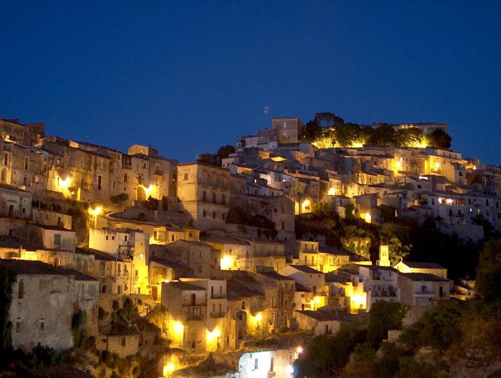 sicilia di notte
